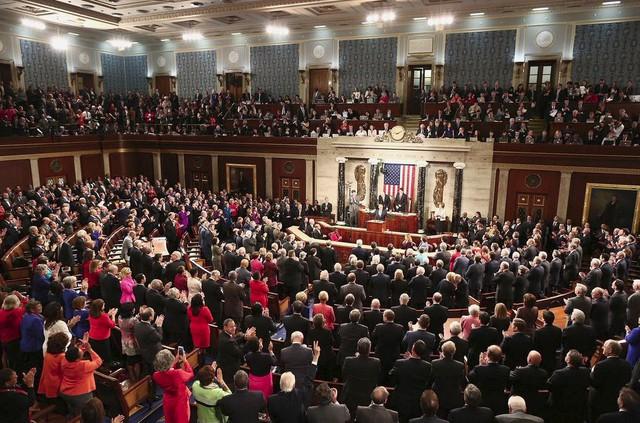>>> Tiết lộ người sống sót quan trọng số 1 tại Thông điệp Liên bang Obama