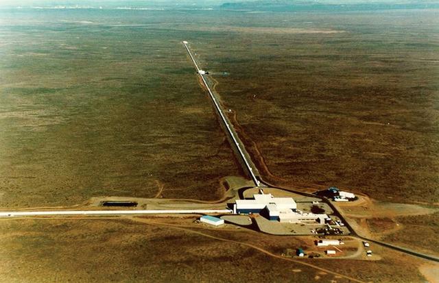 Ảnh chụp đài quan sát LIGO nhìn từ trên cao