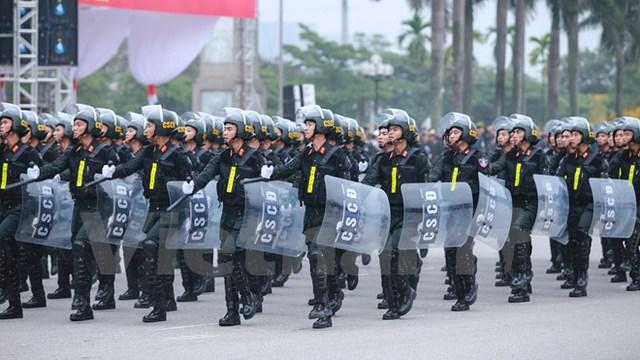 Khối nam sỹ quan cảnh sát cơ động. (Ảnh: Minh Sơn/Vietnam+)