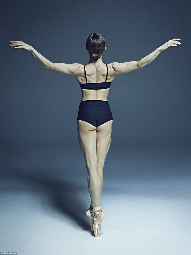 Vũ công người Ac-hen-ti-na, Marianela Núñez, là vũ công chính của The Royal Ballet, London.