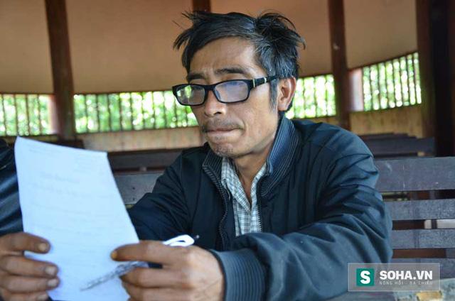 Ông Hồ Văn Sanh, Chủ tịch Hội Nạn nhân chất độc da cam xã Phước Trà khẳng định thông tin người dân ăn gạo từ thiện bị ngộ độc là đúng. (Ảnh: Bảo Ngọc)