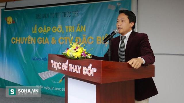 Nhà báo Bùi Ngọc Hải phát biểu tại buổi gặp gỡ, tri ân.
