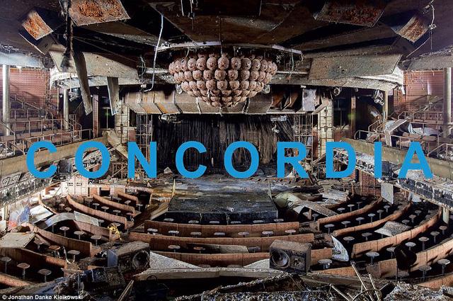 Bìa cuốn sách ảnh mang tên Concordia