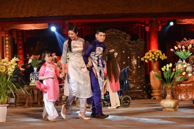 Hoa hậu Ngọc Hân hy vọng buổi trình diễn lần này sẽ tiếp thêm động lực và sự tự tin để những người khuyết tật có thể hòa nhập với cuộc sống.