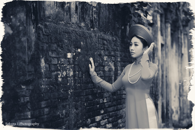 Thượng úy Đỗ Phương Thanh.  Hình ảnh khác lạ của 2 nữ chiến sĩ Công an