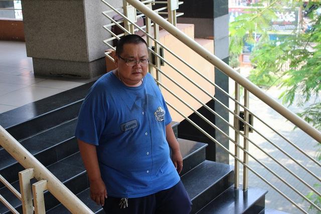 Anh Hồng Phước Kiên, anh trai nghệ sĩ Minh Béo - ảnh chụp tại sân khấu Sao Minh Béo sáng ngày 29-3.