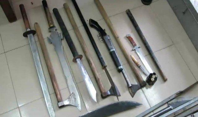 Một số vũ khí nóng thu giữ được tại nhà Trần Tuấn Dũng (ảnh cơ quan công an cung cấp)