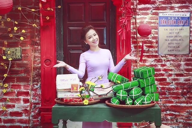 Với phong cách này, Dương Hoàng Yến trông đằm thắm, dịu dàng hơn so với hình ảnh trước đây.