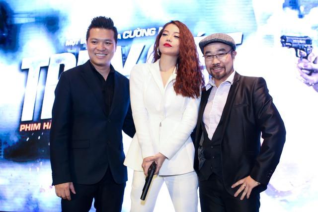 Trương Ngọc Ánh cùng đạo diễn Cường Ngô và chỉ đạo hành động Trung Lý.