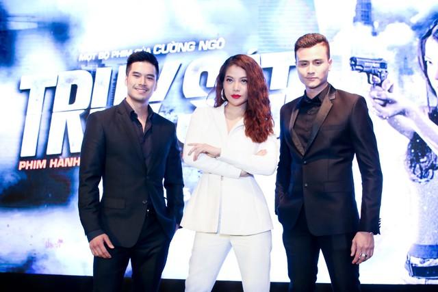 Trương Ngọc Ánh tạo dáng ấn tượng bên 2 diễn viên nam chính là: Thiên Nguyễn và Vĩnh Thụy.