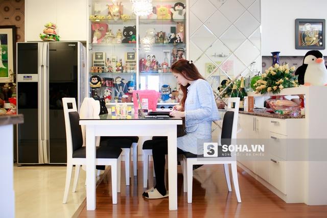 Sau 2 năm gây dựng, shop mỹ phẩm online của Ngọc Phượng hiện đang khá phát đạt với doanh thu khoảng 100 triệu/tháng. Ngọc Phượng khá hài lòng với kết quả này.