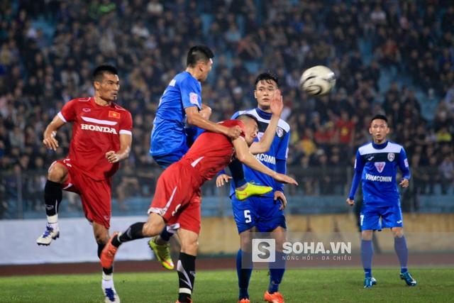 Dưới thời HLV Hữu Thắng, lối chơi treo bóng bổng vào cho tiền đạo đánh đầu đã chết.