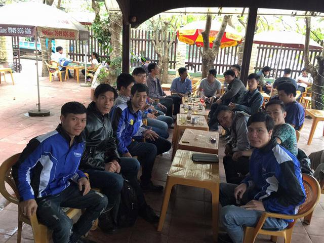 Bạn bè ông Tuấn đến dự buổi gặp mặt nhưng thất vọng vì đại diện VTV không đến (Ảnh: NVCC)