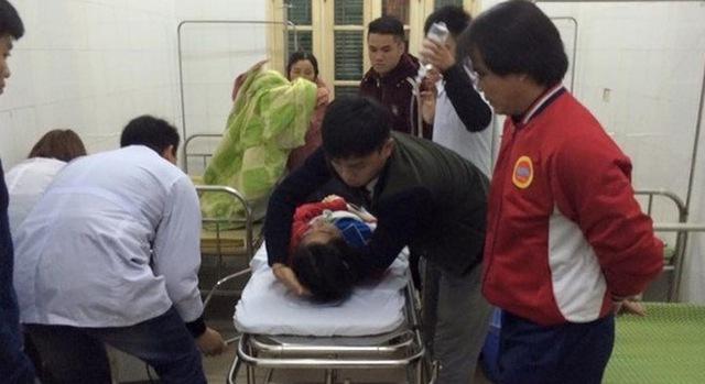 Nữ cử nhân khi được cấp cứu ở bệnh viện. (Ảnh: Lao động)