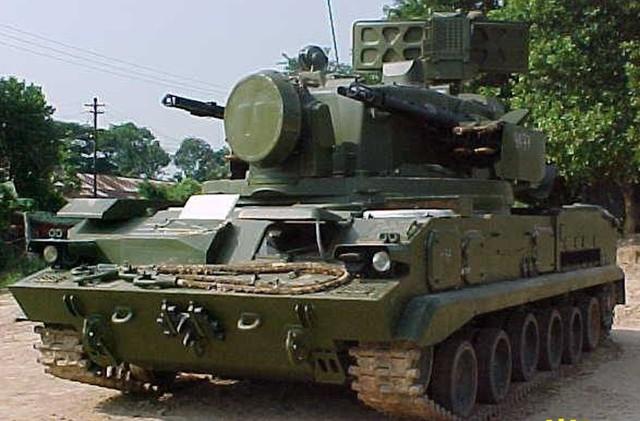 Mới đây Quân đội Myanmar đã tiếp nhận các tổ hợp tên lửa-pháo phòng không Tunguska M1 mua từ Nga. Nhờ 2 pháo tự động 2A38 cỡ 30 mm tốc độ bắn 5.000 phát/phút, kết hợp tên lửa 9M311 Sosna-R, hệ thống này tiêu diệt được cả máy bay cũng như xe bọc thép đối phương.