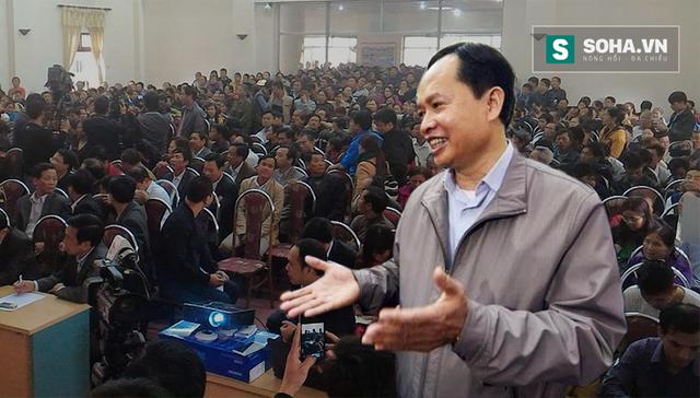 Bí thư Thanh Hóa Trịnh Văn Chiến và quang cảnh buổi đối thoại với ngư dân Sầm Sơn sáng 7/3/2016.
