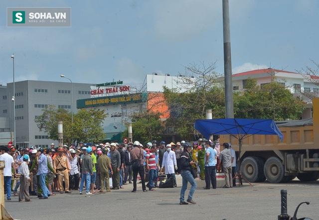Một vụ tai nạn chết người ở vòng xoay Nguyễn Hữu Tho - Cách Mạng Tháng 8