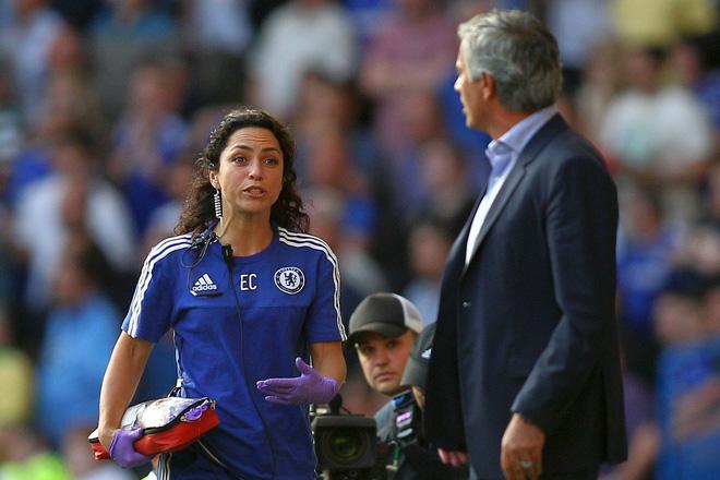 Nếu muốn chửi nhân viên y tế, hãy hỏi Mourinho.