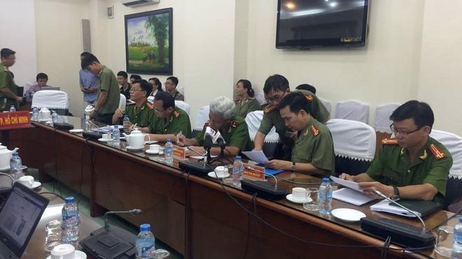 Công an TP.HCM chuẩn bị trao đổi với báo chí về vụ khởi tố chủ quán cà phê Xin Chào - Ảnh: Gia Minh