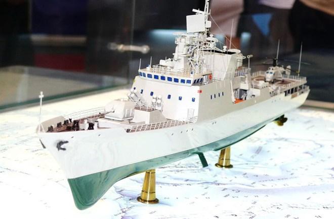 Tàu hộ vệ tên lửa KBO-2000 nhìn từ phía trước