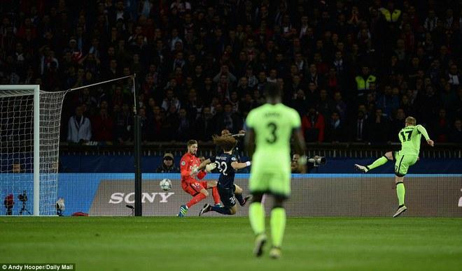 Phút 38, De Bruyne có pha dứt điểm quyết đoán, sau đường kiến tạo của Fernandinho mở tỷ số trận đấu.
