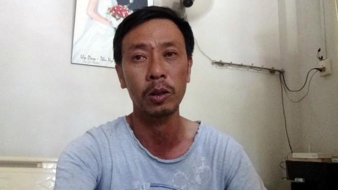 Anh Phan Khắc Dũng đau buồn về cái chết tức tưởi của con trai mình - Ảnh: Nguyễn Nam