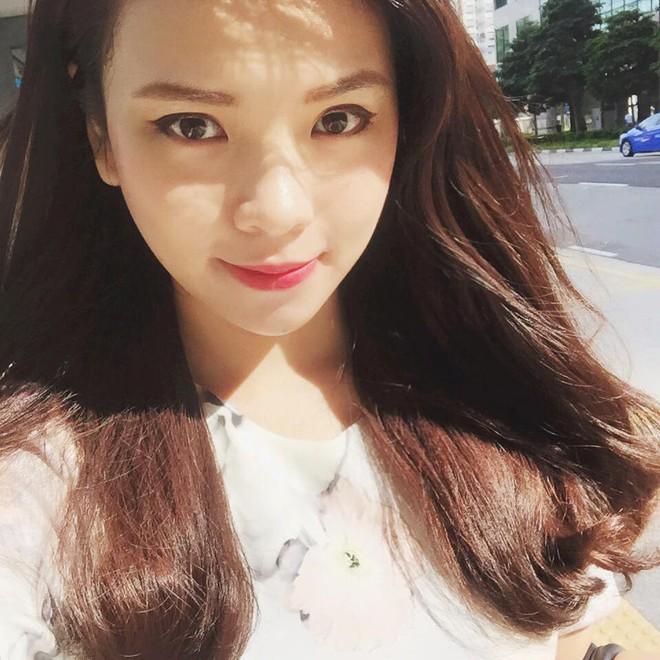 Thu Trang không chỉ xinh đẹp mà còn gây được ấn tượng bởi thành tích học tập đáng nể của mình.