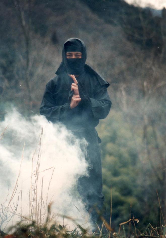 Bom mù được sử dụng trong các trường hợp cần thoát nhanh của Ninja.
