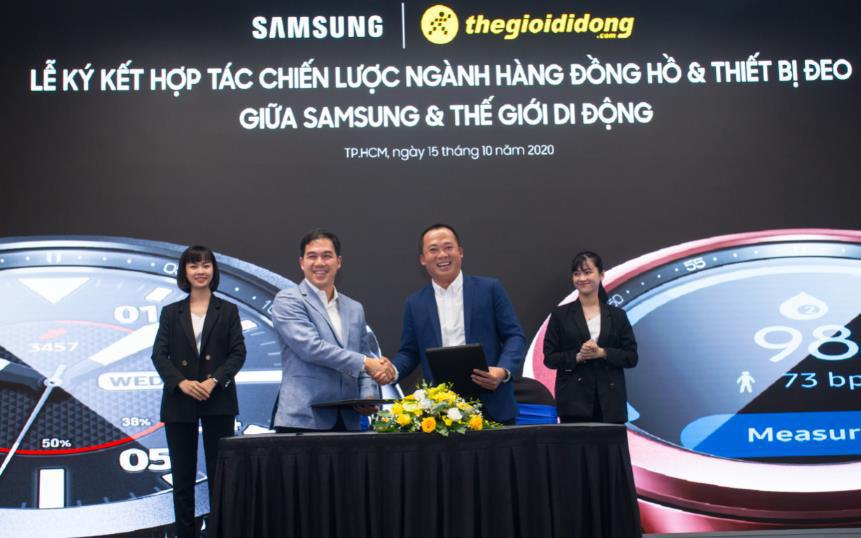 Cục diện thị trường đồng hồ thông minh ra sao khi Thế Giới Di Động hợp tác chiến lược với Samsung?