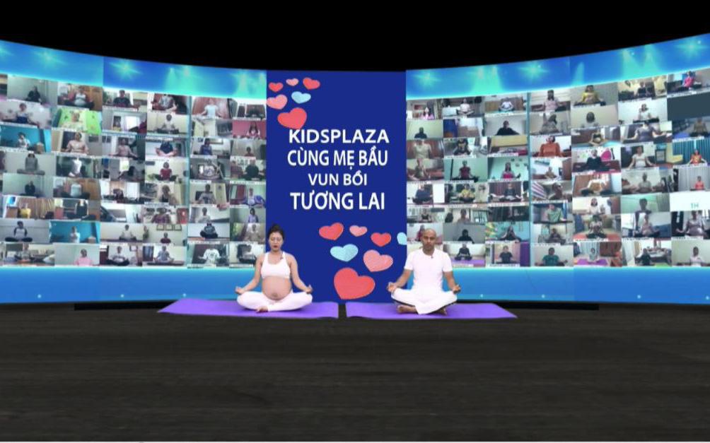 Kết nối 2000 mẹ bầu tập yoga trực tuyến – điều chưa từng có trong lịch sử yoga
