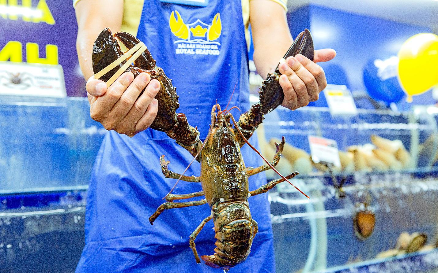Mô hình hải sản chế biến mang đi thu hút người tiêu dùng