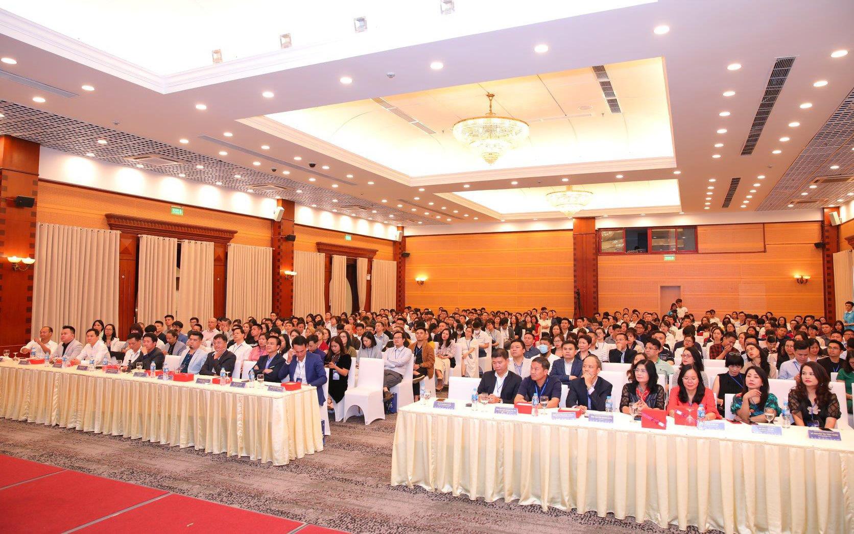 CEO Phương Dung & hành trình kết nối cộng đồng Marketing Dược