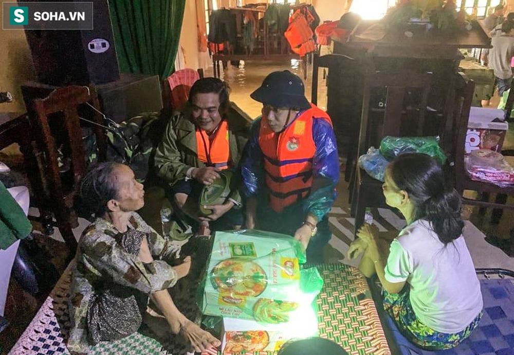 Chủ tịch huyện Phong Điền gặp nạn ở Rào Trăng 3, người mẹ già chưa tin đó là sự thật - Ảnh 3.