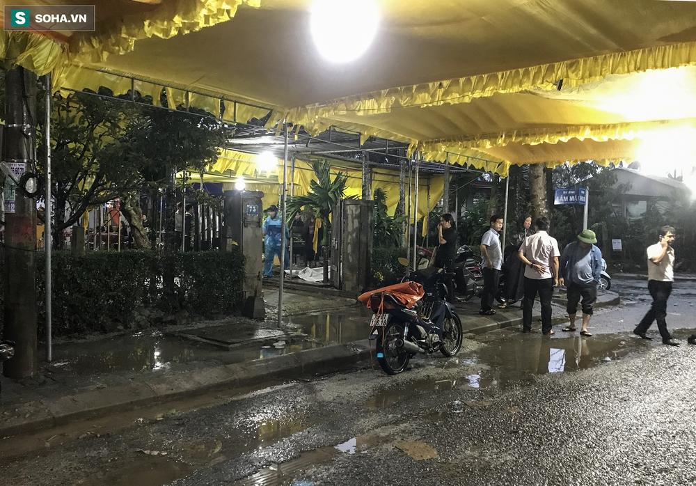 Chủ tịch huyện Phong Điền gặp nạn ở Rào Trăng 3, người mẹ già chưa tin đó là sự thật - Ảnh 1.