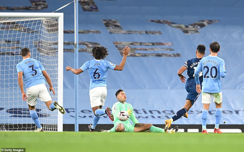 Arsenal lỡ cơ hội vượt mặt Liverpool, Man City chớp cơ hội bằng vàng hí hửng vào top 10 - Ảnh 2.