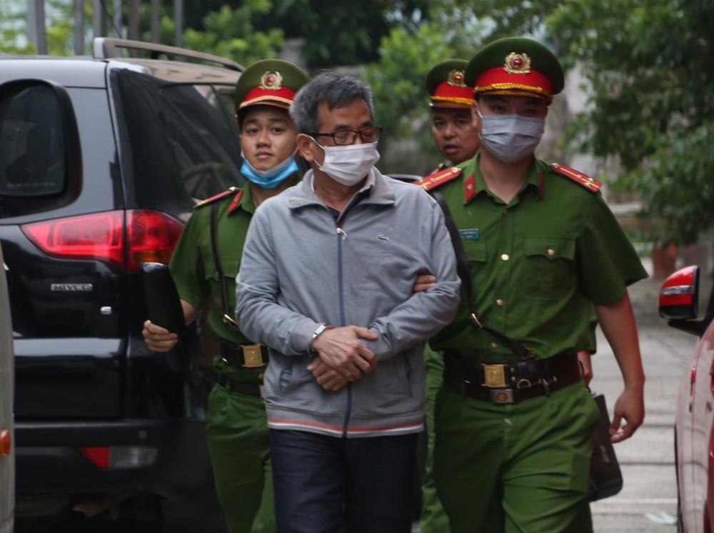 Triệu tập hơn 100 người đến phiên tòa xử đại án thất thoát hơn 1.600 tỷ tại BIDV liên quan ông Trần Bắc Hà - Ảnh 6.