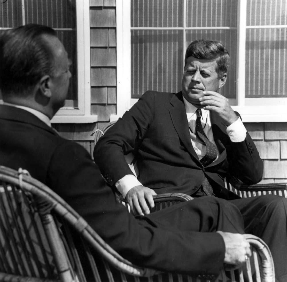 Người đàn ông đáng tin cậy nhất nước Mỹ và câu nói khi một tổng thống bị ám sát, tổng thống khác sắp sửa phải từ chức - Ảnh 7.