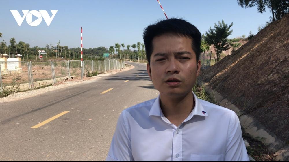 """""""Bất lực"""" nhìn đường gom 60 tỷ cao tốc Bắc Giang - Lạng Sơn bị """"cày"""" nát - Ảnh 5."""