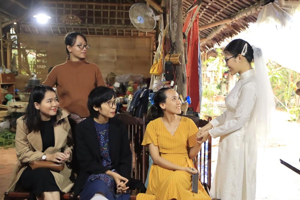 Đám cưới không rượu không nhạc ở Hội An, cô dâu dặn khách không phải mừng tiền - Ảnh 2.