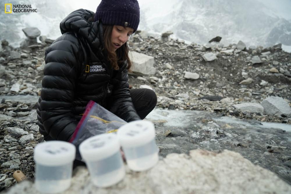 Lần đầu tiên thám hiểm quy mô Everest, phát hiện loạt kỷ lục đáng lo ngại - Ảnh 5.