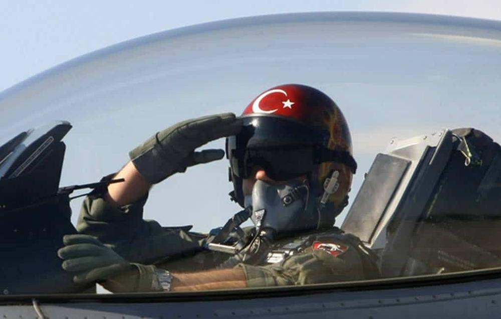 Thổ Nhĩ Kỳ thanh trừng gần 300 phi công quân sự: Góc tối bị vạch trần để lộ thông tin gây choáng - Ảnh 1.