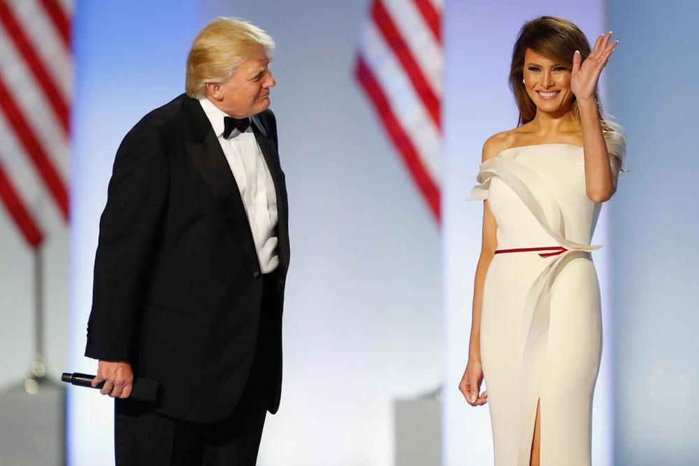 Chụp ảnh khỏa thân, nói 6 ngôn ngữ và những điều ít biết về Đệ nhất phu nhân Melania Trump - Ảnh 6.