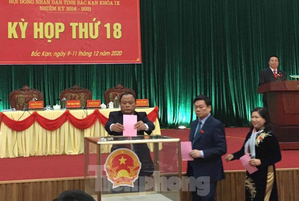 Ông Nguyễn Long Hải được bầu làm Chủ tịch UBND tỉnh Bắc Kạn - Ảnh 2.