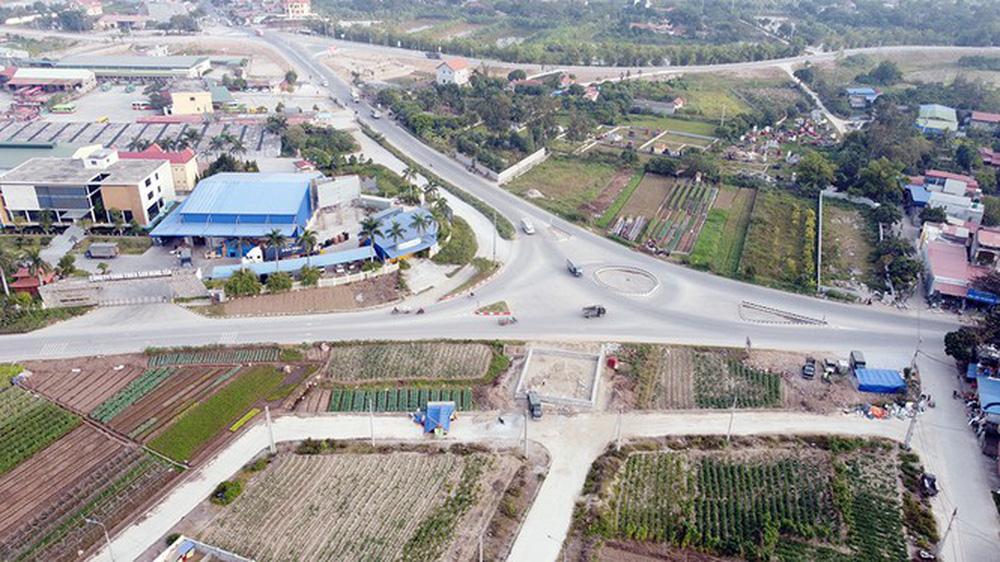 Đình chỉ công trình vi phạm hành lang an toàn giao thông ở Hưng Yên - Ảnh 3.
