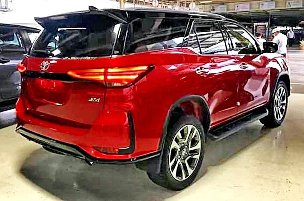 Phiên bản cao cấp của Toyota Fortuner chuẩn bị ra mắt - Ảnh 2.