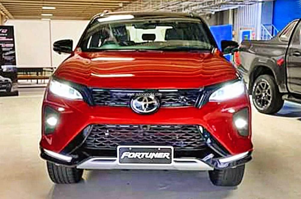 Phiên bản cao cấp của Toyota Fortuner chuẩn bị ra mắt - Ảnh 1.