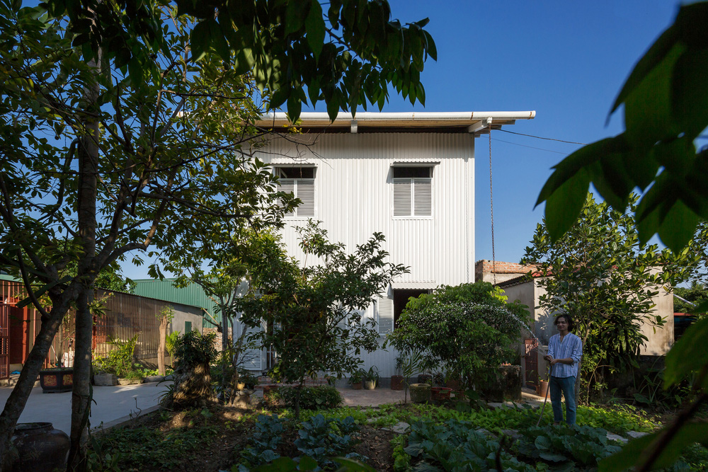 Ngôi nhà chống lũ bằng khung thép chịu lực của Việt Nam lên báo Mỹ - Ảnh 2.