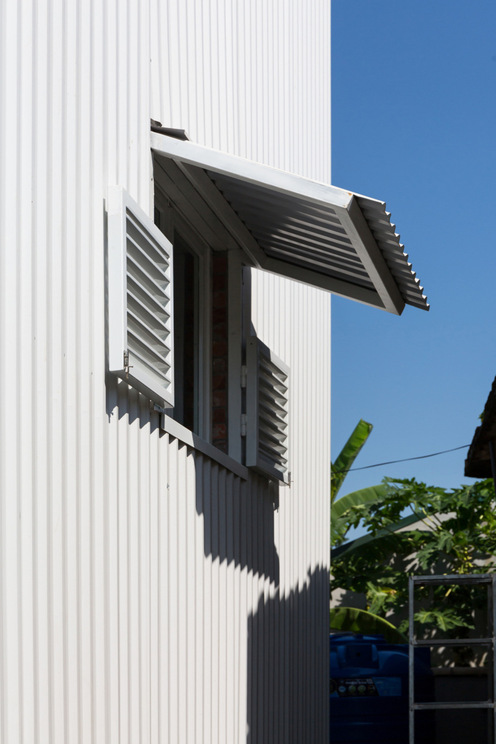 Ngôi nhà chống lũ bằng khung thép chịu lực của Việt Nam lên báo Mỹ - Ảnh 11.