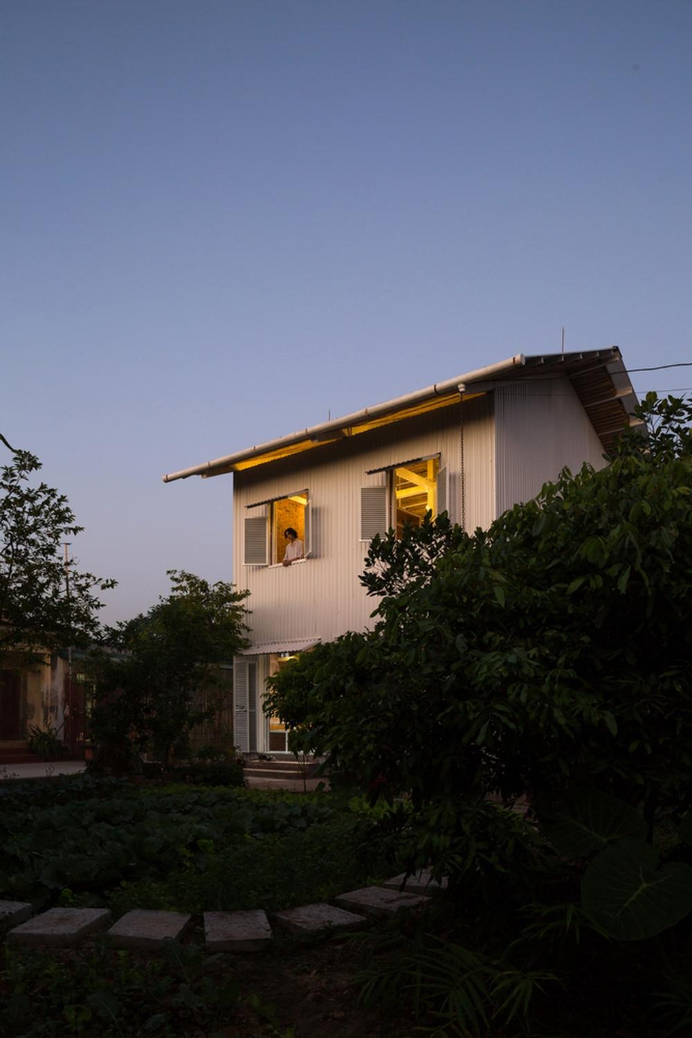 Ngôi nhà chống lũ bằng khung thép chịu lực của Việt Nam lên báo Mỹ - Ảnh 4.