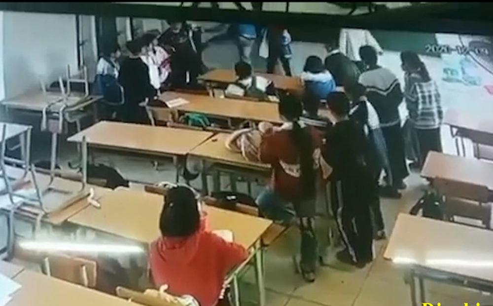Công an triệu tập phụ huynh đánh học sinh lớp 6 ở Điện Biên lên làm việc